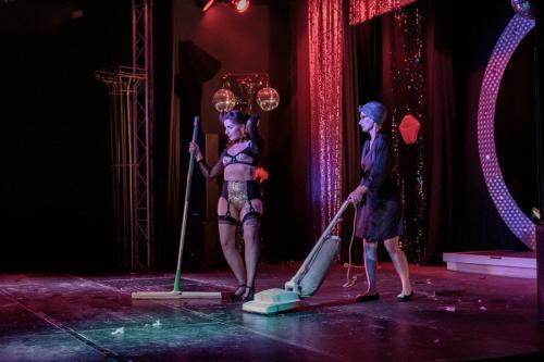 Stage Kitten Palmyra La Diva & Lily Luscious